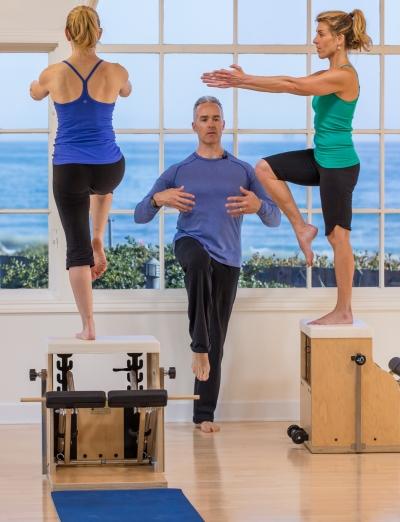 Tom McCook in actie bij  PilatesAnytime