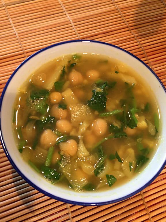 Snelle-kikkererwten-waterkers-soep